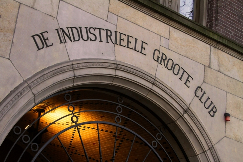 upper side of the gate to the Koninklijke Industrieele Groote Club